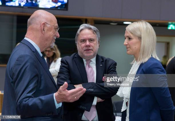 Swedish Minister for EU affairs Hans Eric Albert Dahlgren is talking with the Greek Minister of Foreign Affairs Georgios Katrougalos and the Irish...
