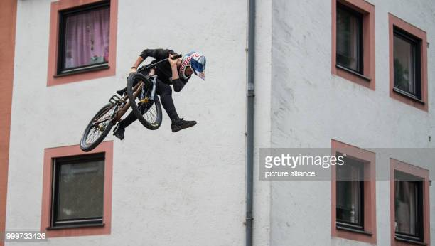 Swedish mountainbiker Emil Johansson in action at the 'Red Bull District Ride' on the Hauptmarkt square in Nuremberg Germany 2 September 2017 During...