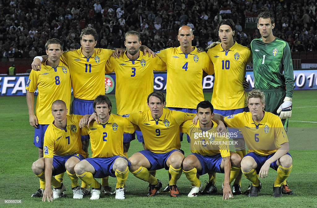 Swedish players (L-R) (down) Samuel Holm : News Photo
