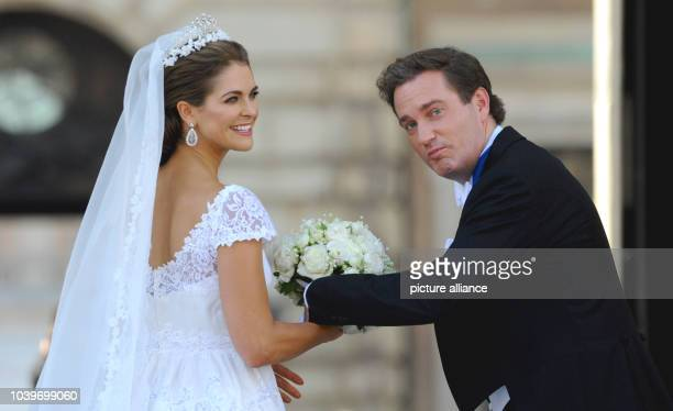 Swedish Princess Madeleine and her husband Chris O'Neill addresses the public at the Royal Palace after their wedding in Stockholm, Sweden, 08 June...