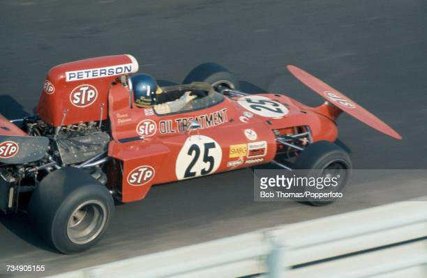 Swedish racing driver Ronnie Peterson drives the STP March Racing Team March 711 Cosworth V8 to finish in 3rd place in the 1971 United States Grand...