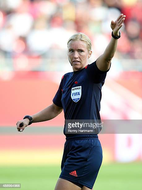 Swedish referee Sara Persson gestures during the UEFA Women's Euro 2017 Qualifier between Germany and Hungary at Erdgas Sportpark on September 18...