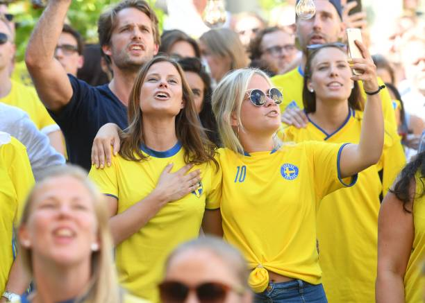 swedish-soccer-fans-take-a-selfie-as-they-watch-sweden-play-against-picture-id985309412?k=6&m=985309412&s=612x612&w=0&h=9Us7YMaAjBTMjpOSkJDkClmC9I0uYjPNO9oG2j3m4-A=