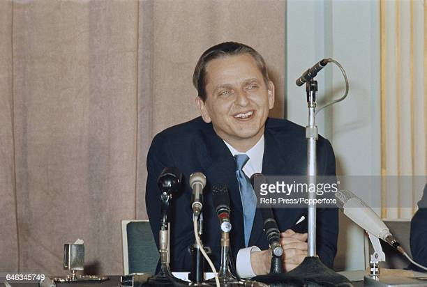 Swedish Social Democratic Party politician and new Prime Minister of Sweden Olof Palme pictured speaking at a press conference at Claridge's hotel in...