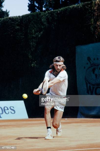 Swedish's Bjorn Borg returns a shot to US's Vitas Gerulaitis during the MonteCarlo ATP Masters Series Tournament tennis final match on April 19 in...