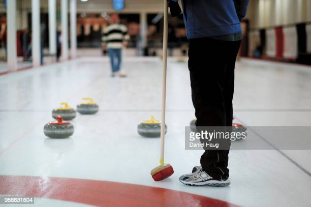 sweeping curling - カーリング ストックフォトと画像
