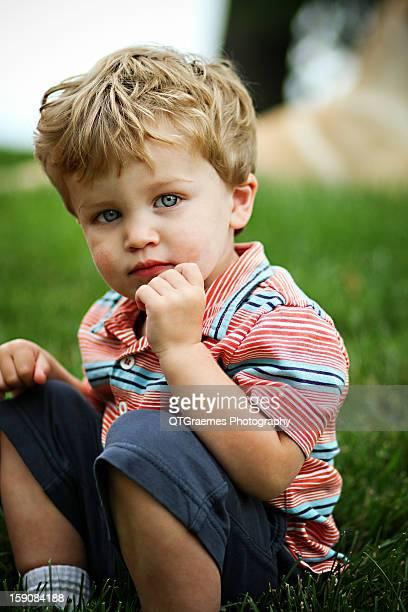 sweet boy - olhos azuis - fotografias e filmes do acervo