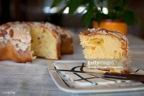 sweet bread , italian colomba pasquale - colomba pasqua foto e immagini stock