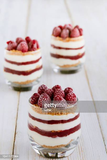 sweet cheesecake with strawberries - mousse dessert stock pictures, royalty-free photos & images