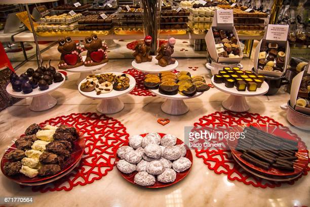 sweet food desert - chocolate pieces stock photos and pictures