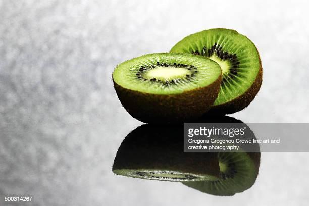 sweet kiwi fruit - gregoria gregoriou crowe fine art and creative photography stockfoto's en -beelden