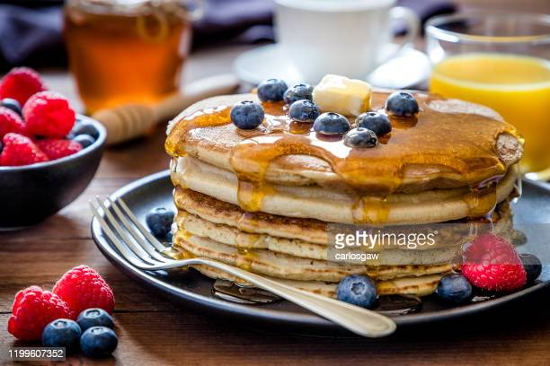 sweet pancakes - syrup stock pictures, royalty-free photos & images