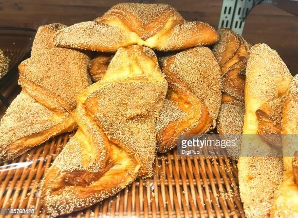 sweet potato paste filled croissants - yōshoku photos et images de collection