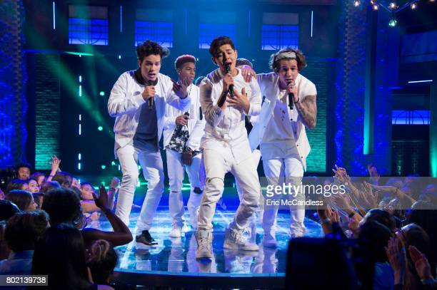 BOY BAND 'Sweet Sixteen' In the third week of competition we follow the remaining group of six young vocalists as they come together as a band...