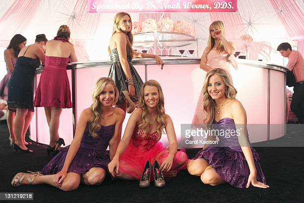 SUBURGATORY Sweet Sixteen When Tessa tells Dallas that she wants a simple get together for her sixteenth birthday Dallas convinces her to let Dalia...