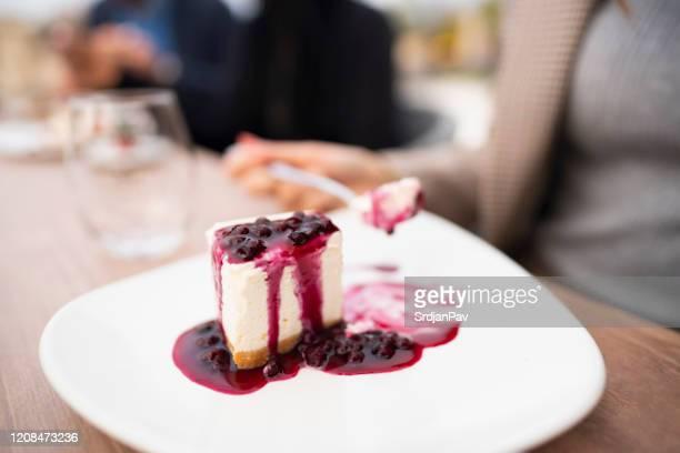 dolce, gustoso, irresistibile - torta di ricotta foto e immagini stock