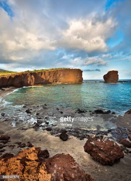 sweetheart rock of lanai island in hawaii - lanai stock photos and pictures