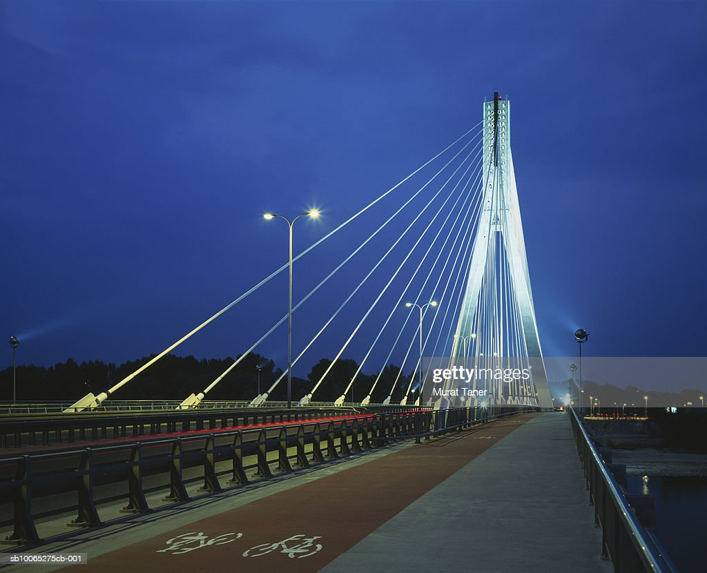 Swietokrzyski Bridge at night : Foto stock