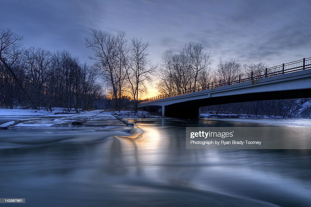 Swift sunset over river : Foto de stock