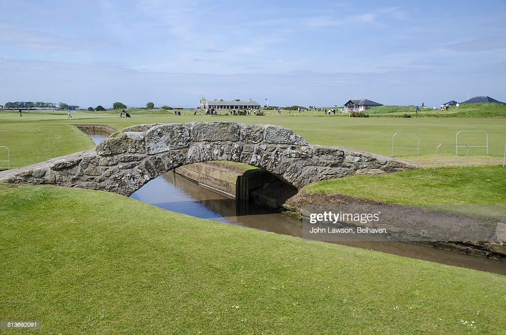 Swilcan Bridge, Old Course, St Andrews : Foto de stock