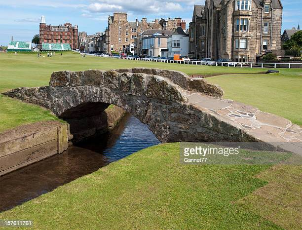 swilcan bridge, st. andrews, scotland - st. andrews scotland stock pictures, royalty-free photos & images