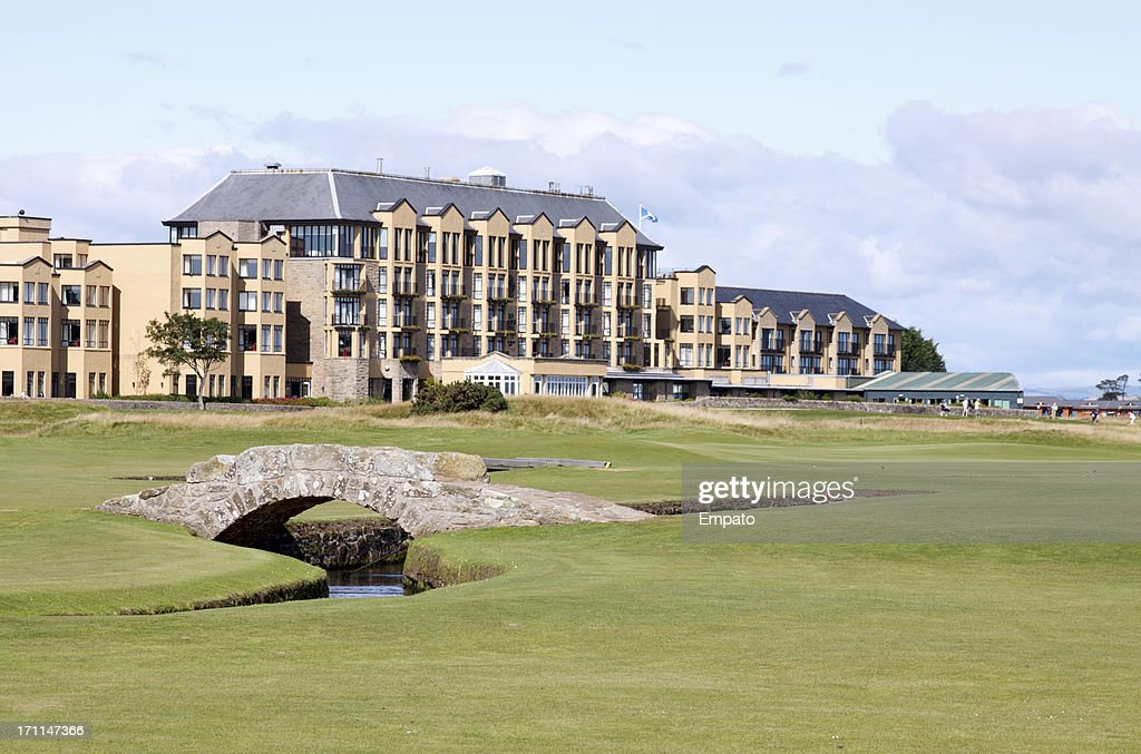 Swilken Bridge, The Old Course, St Andrews, Scotland. (XL) : Stock Photo