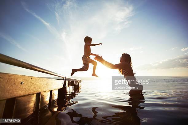 swimming in a lake. - day 6 stock-fotos und bilder