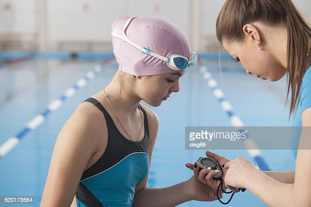 Schwimmstunden im Schwimmbad