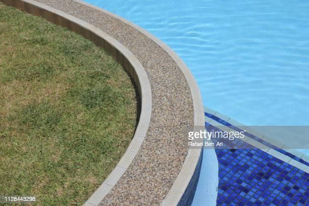 swimming pool edge - rafael ben ari 個照片及圖片檔