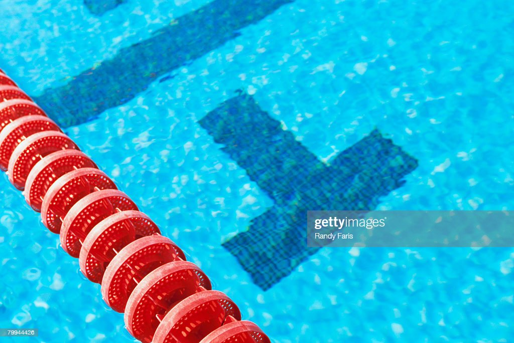 Swimming Pool Lane Divider Stock-Foto - Getty Images
