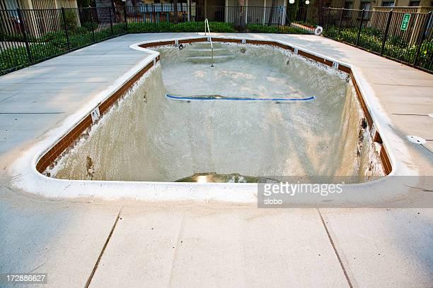 Swimmingpool im Bau