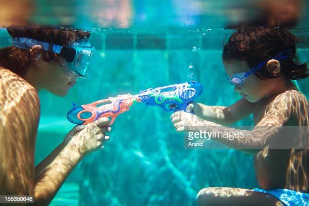 Piscine avec watergun