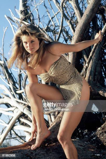 Swimsuit Issue 1981 Model Christie Brinkley poses for the 1981 Sports Illustrated swimsuit issue on January 2 1981 on Captiva Island Florida CREDIT...