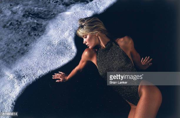 Swimsuit Issue 1986 Model Kelly Emberg poses for the 1986 Sports Illustrated swimsuit issue on November 24 1985 in BoraBora French Polynesia...