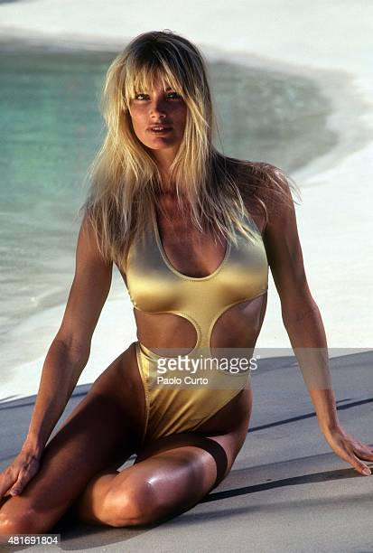 Swimsuit Issue 1989 Model Kelly Emberg poses for the 1989 Sports Illustrated Swimsuit issue on July 1 1988 in Cabo San Lucas Mexico PUBLISHED IMAGE...