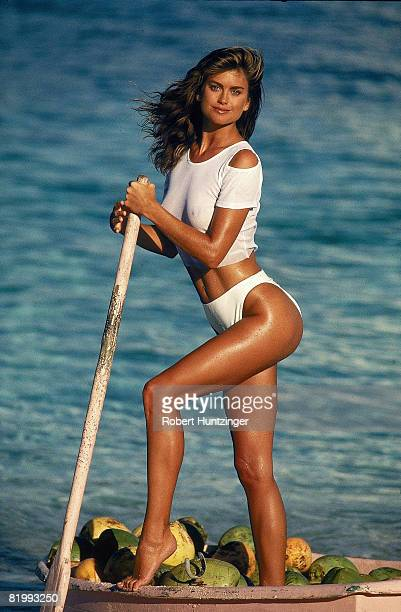 Swimsuit issue 1990 Model Kathy Ireland poses for the 1990 Sports Illustrated Swimsuit issue on January 19 1990 in Saint Vincent and The Grenadines...