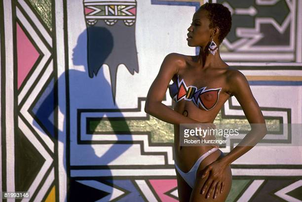 Swimsuit Issue 1996: Model Georgianna Robertson poses for the 1996 Sports Illustrated Swimsuit issue in 1996 in South Africa. CREDIT MUST READ:...