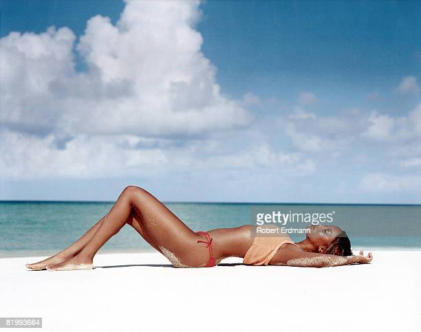 Model Tyra Banks poses for the 1998 Sports Illustrated swimsuit issue on February 1 1998 in the Maldives CREDIT MUST READ Robert Erdmann/Sports...