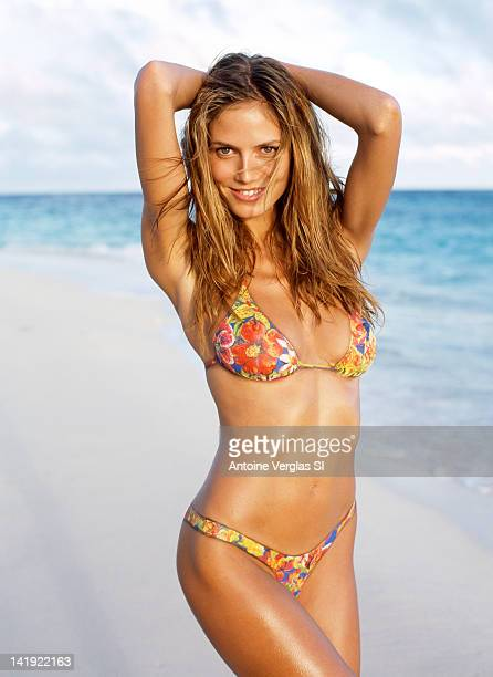 Model Heidi Klum poses for the 1999 Sports Illustrated Swimsuit issue on February 1 1999 on Necker Island PUBLISHED IMAGE CREDIT MUST READ Antoine...
