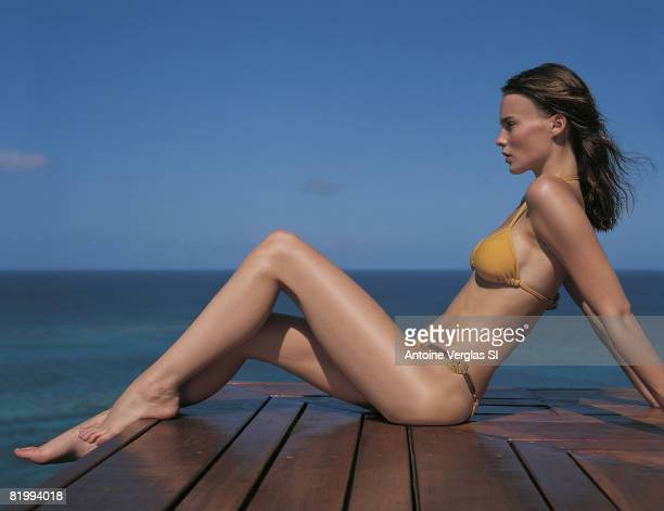 Swimsuit Issue 1999 Model Michelle Behennah poses for the 1999 Sports Illustrated Swimsuit issue on February 1 1999 on Necker Island Bikini by Anne...