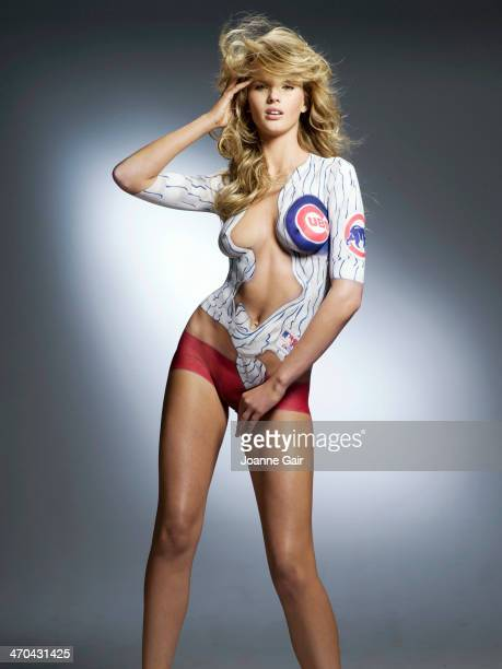 Swimsuit Issue 2005 Model Anne V poses for the 2005 Sports Illustrated Swimsuit issue on October 1 2004 in New York City Body painting by Joanne Gair...