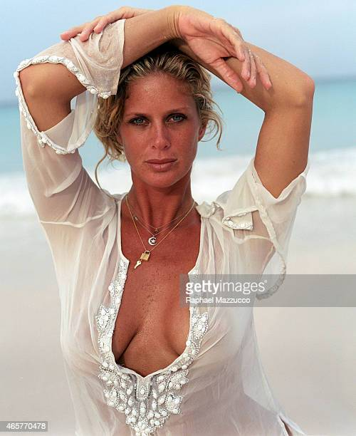 Swimsuit Issue 2006 Model Rachel Hunter is photographed for the 2006 Sports Illustrated Swimsuit issue on July 24 2005 at Coral Sands Hotel on...