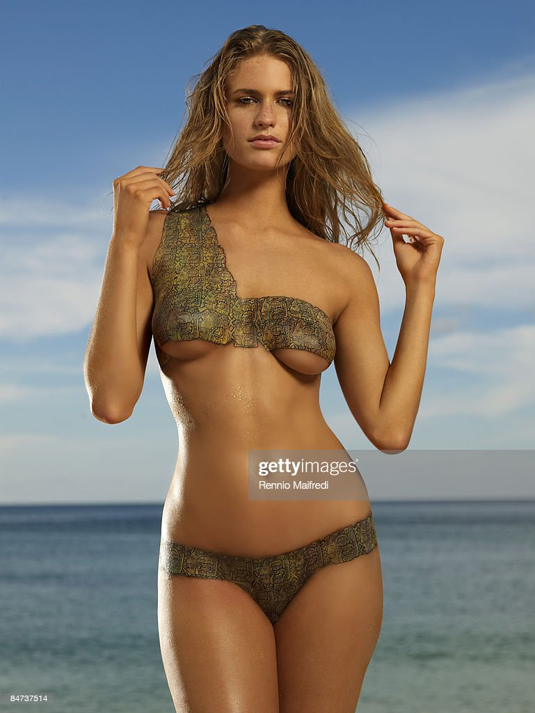 Sports illustrated swimsuit 2013 body paint