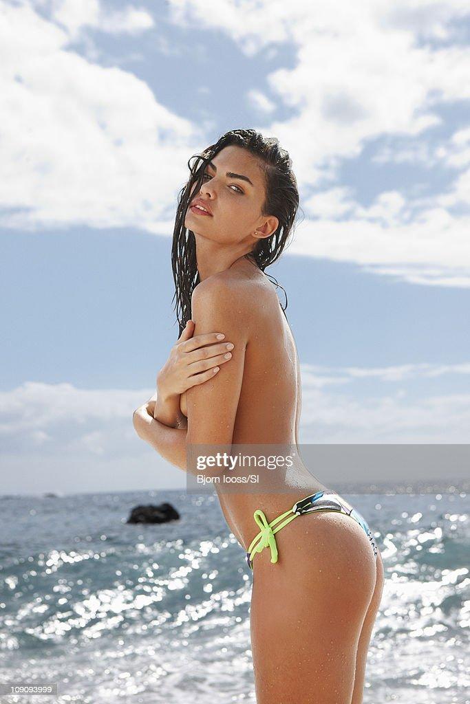 Alyssa Miller, Sports Illustrated, Swimsuit 2011 : News Photo