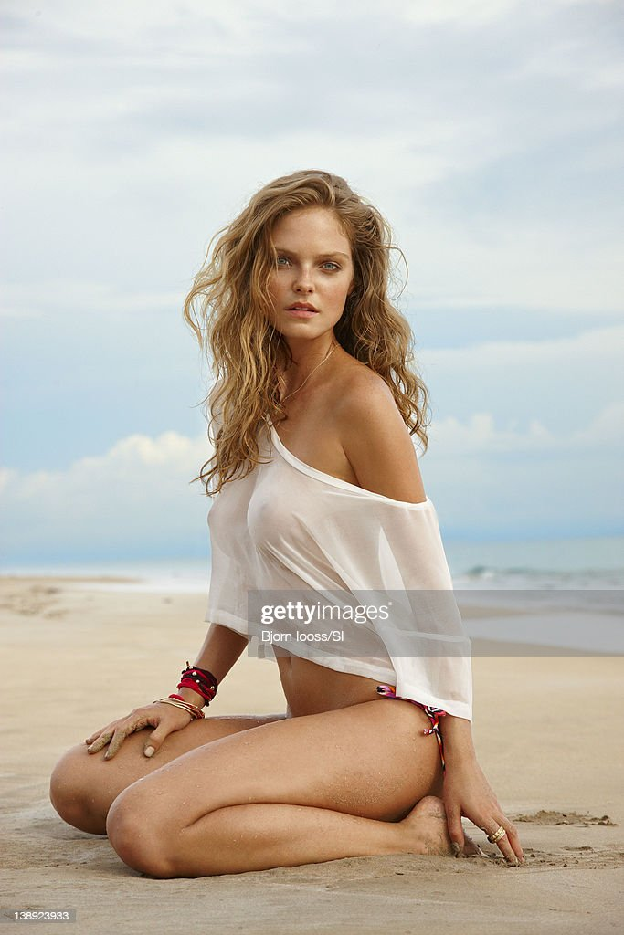 Jessica Perez, Sports Illustrated, Swimsuit 2012 : News Photo