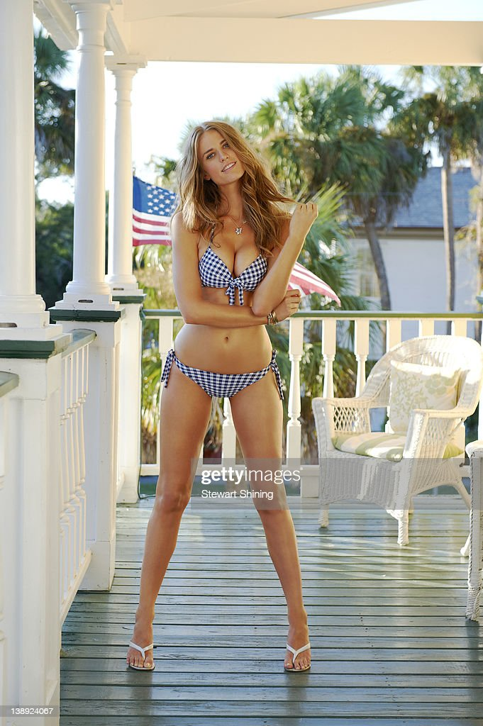 Julie Henderson, Sports Illustrated, Swimsuit 2012 : News Photo