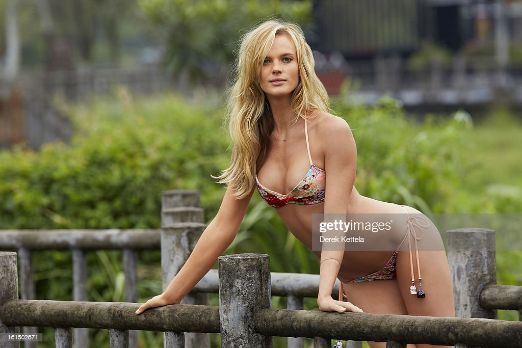 Anne V, Sports Illustrated, Swimsuit 2013 : News Photo