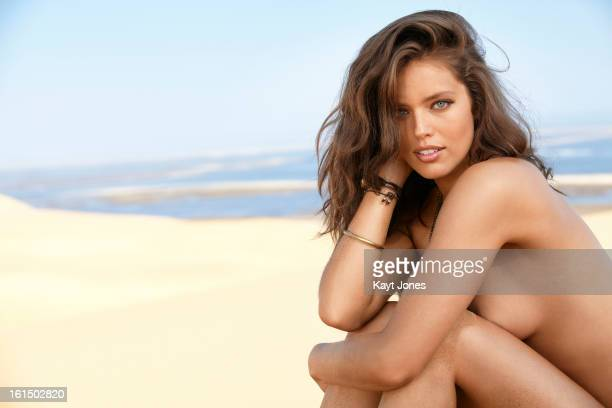 Swimsuit Issue 2013 Model Emily DiDonato poses for the 2013 Sports Illustrated Swimsuit issue on June 5 2012 in Namibia PUBLISHED IMAGE CREDIT MUST...