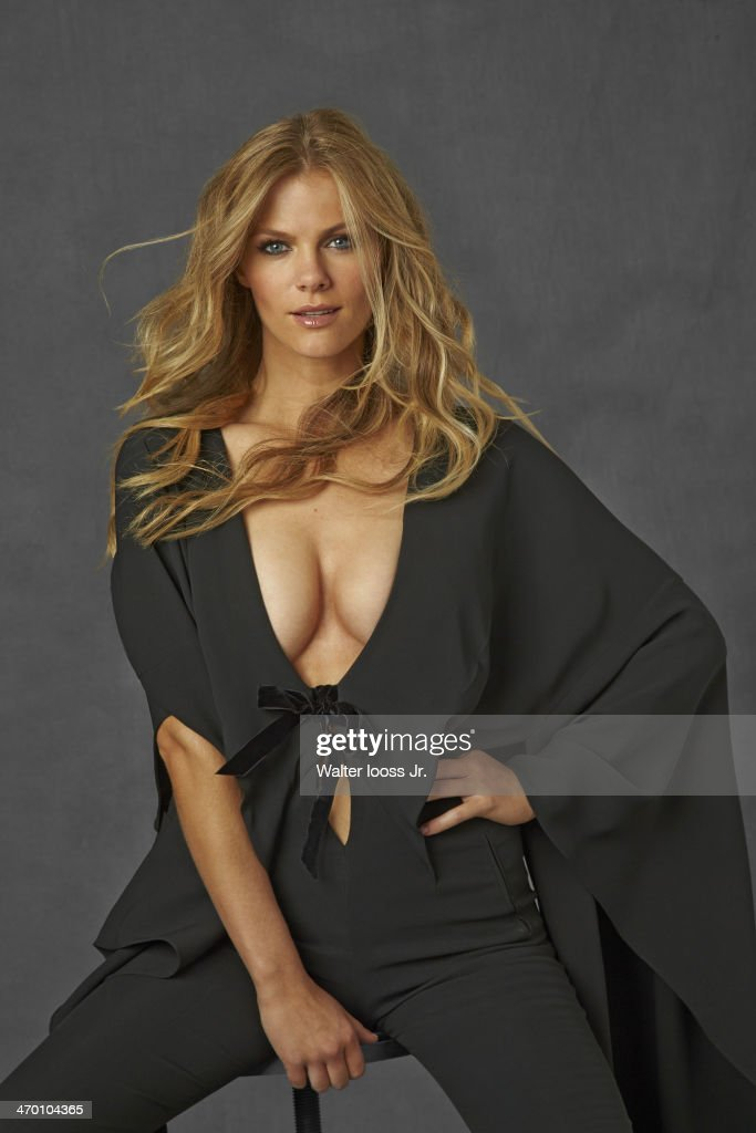 Model Brooklyn Decker poses for the 2014 Sports Illustrated Swimsuit issue on October 17, 2013 in New York City. PUBLISHED IMAGE.