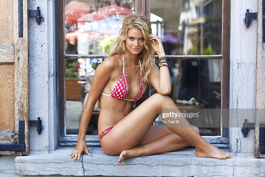 Kate Bock, Sports Illustrated, Swimsuit 2014 : News Photo